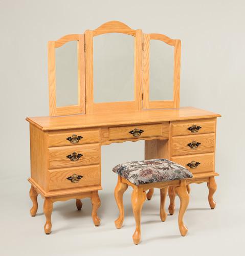 Bedroom Vanities Product: Amish Large Queen Anne Bedroom Vanity