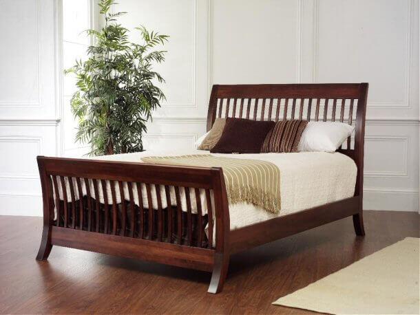 Vernella Manhattan Sleigh Bed W Slats